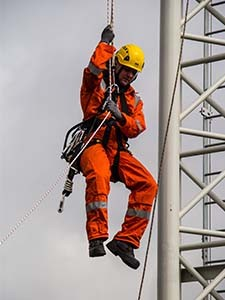 mines-rescue-working-at-height
